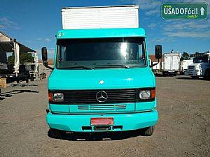 Mercedes 710 baú seco